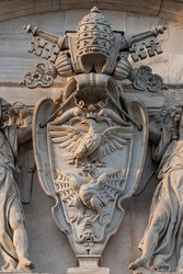 Coat of Arms Dragons and eagles of the Borghese family