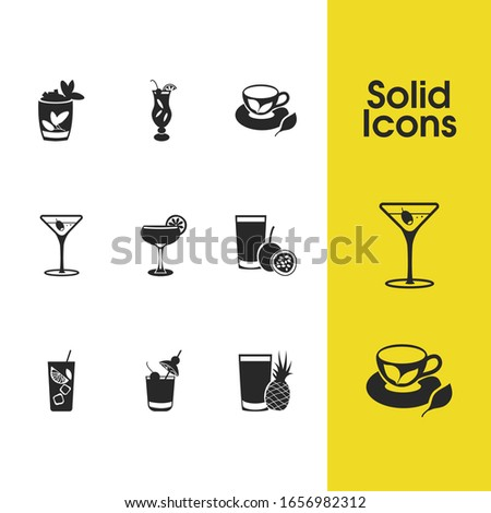 Cocktails icons set with daiquiri cocktail, whisky sour cocktail and hurricane cocktail elements. Set of cocktails icons and cognac concept. Editable elements for logo app UI design.
