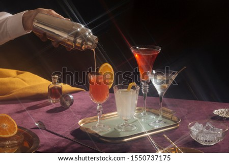 Cocktails in vintage style. Screwdriver, gin lemon, vermuth and Martini cocktail Foto stock ©