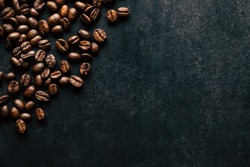 Coffee beans and dark background - Empty space