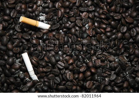 coffee beans as the ashtray to neutralize cigarette smoke
