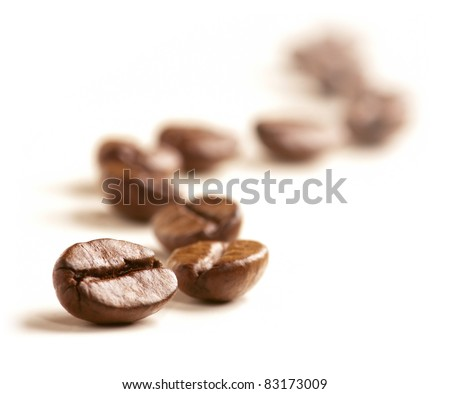 coffee beans draw a zigzag line ...