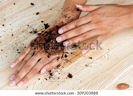 coffee hand scrub with ground coffee (wet)  , mean to beauty or cosmetic