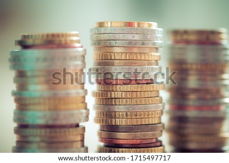 Coins stacked on each other, close up picture, market crisis and financial aid concept Foto stock ©