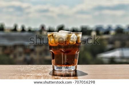cola. rum, rum-cola, rum and coke