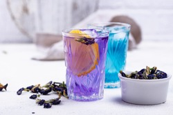 Cold blue and purple tea Butterfly pea with lemon and ice