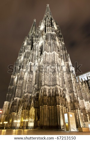 Cologne Dom by day and night with Christmas market