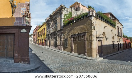 Colonial street in Guanajuato, Mexico\ Old streets founded in the Spanish conquest in San Miguel de Allende, Mexico