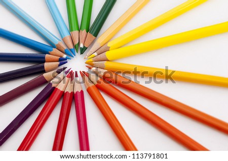 Color pencils in a circle