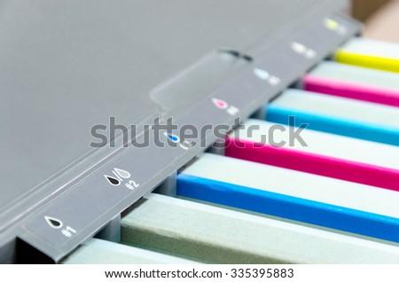 color tank cartridges on ink jet printer
