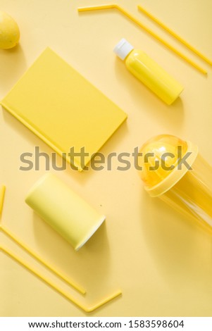 Color textured background made with different  object with yellow tonality disposed in diagonal path, group of objects aligned
