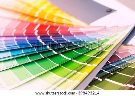 Color wheel for choosing paint colors