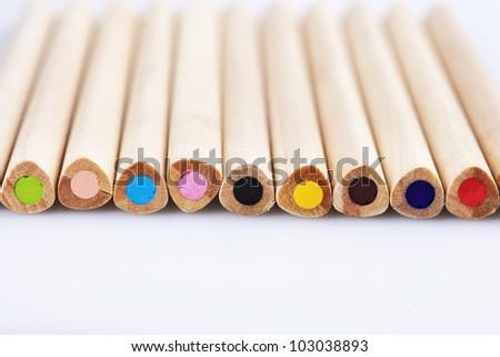 Colored pencils/Lay color pencil