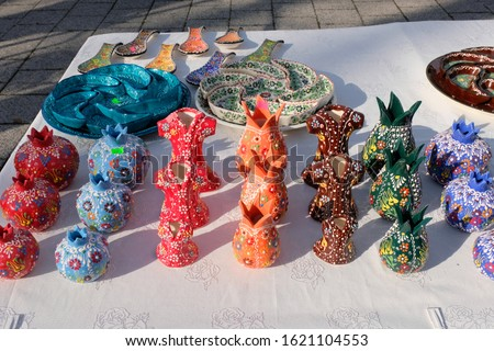 Colorful Ceramic gifts on table in a oriental bazaar  Stok fotoğraf ©