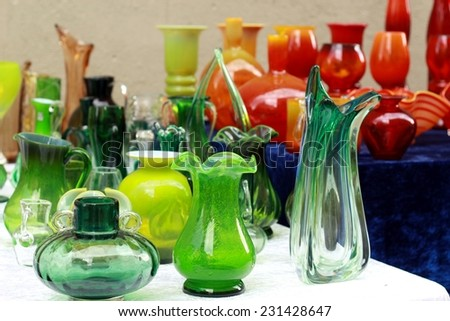 colorful glass vases at the flea market/colorful glass vases at the flea market