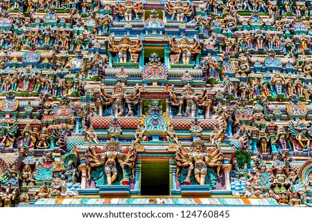 Colorful Hindu temple, Meenakshi Temple, Madurai, Tamil Nadu, India