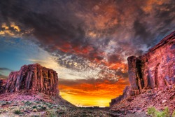 Colorful spring sunset near Jug Handle Arch, Utah