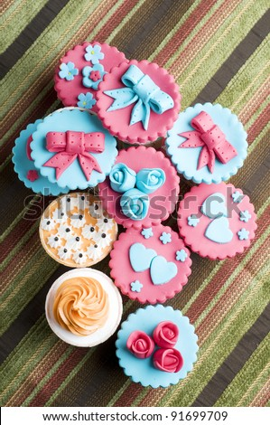 Colorfull cup cake from top view  isolated beautifull background