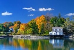 Colors of indian summer, Maine