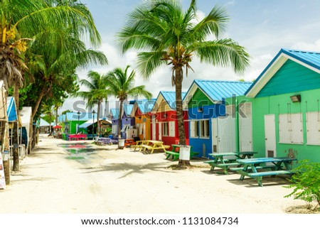 Colourful houses on the tropical island of Barbados in the Carribean Foto stock ©