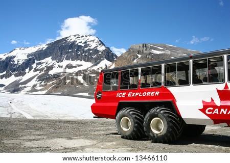 columbia icefield - athabasca glacier, jasper national park, Canada
