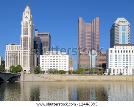 Columbus, Ohio skyline and the Scioto River.