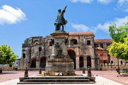 Columbus Statue and Cathedral, Parque Colon, Santo Domingo, Caribbean