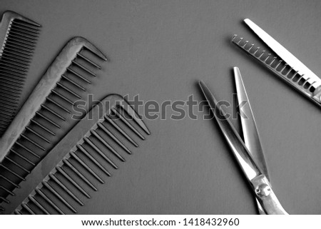 Combs and thinning shears, two pair texturizing scissors for haircut, professional salon equipment