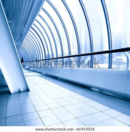 commercial diminishing walkway