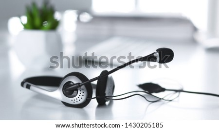 Communication support, call center and customer service help desk