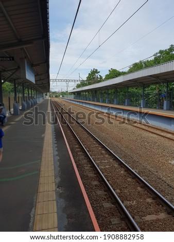 commuter line railway tracks jakarta Stok fotoğraf ©