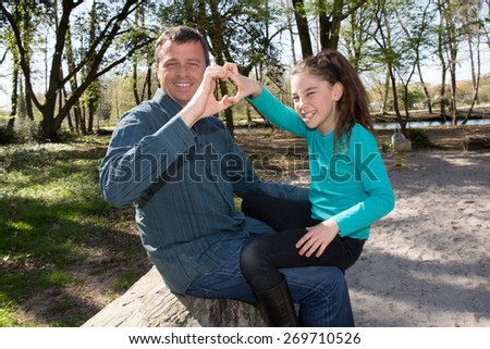 Complicity between a single father and his only daughter