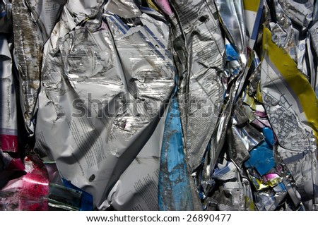 Compressed bale of printing plates for recycling
