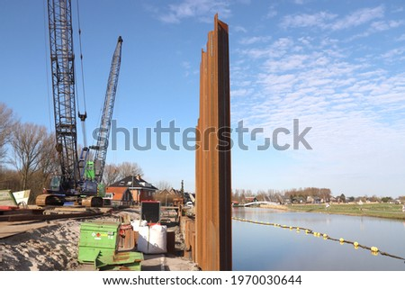 Construction area of the Groene Boog, a new piece of motorway A16 in Rotterdam under river Rotte Stockfoto ©