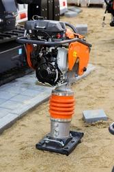 Construction equipment: rammer - soil compactor vibrating base plate