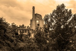 Construction of an abandoned old factory in Alcoi, (Valencian Community) May 2020.