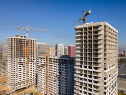 Construction of residential highrises in a new city district