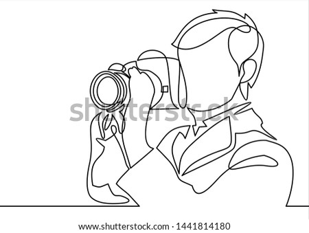 continuous line drawing of photographer making pictures
