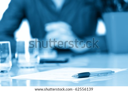 Contract in a business office