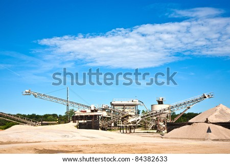 Conveyor on site at gravel pit hill