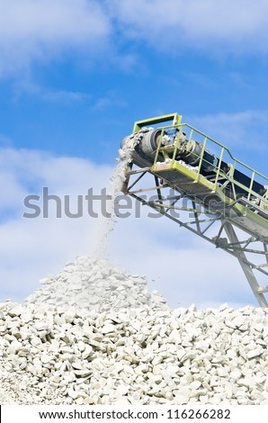 conveyor used for conveying crushed granite stone in a quarry