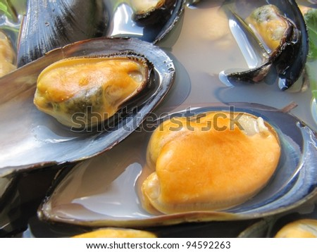 Cooked mussels 2