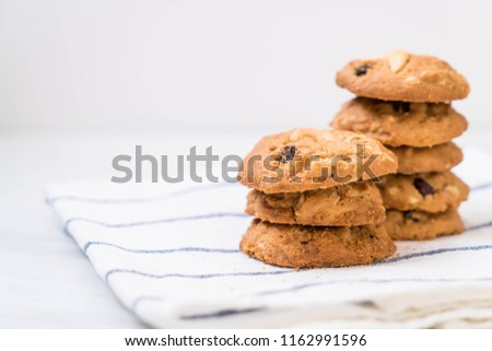 cookies with raisin and roasted cashew nuts #1162991596