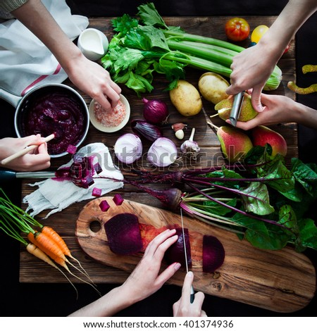 Cooking vegetable soup with beetroot