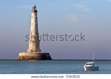 Cordouan King's lighthouse and tourist boat, Gironde, France