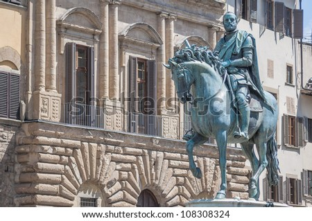 Cosimo di Giovanni degli Medici statue at Piazza della Signoria, the first of the Medici political dynasty in Florence, Italy