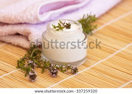 Cosmetic cream and thyme