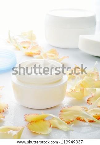 Cosmetic cream for skin care