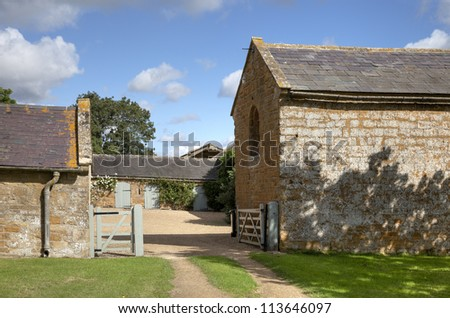 Cotswold farmyard and barns, Compton Scorpion, Warwickshire, England