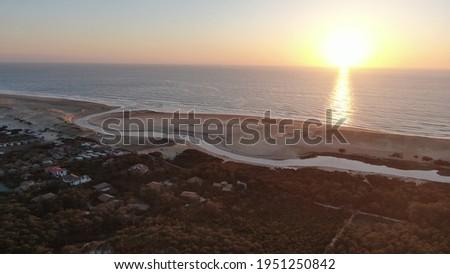 Coucher de soleil littoral landais à la Réserve Nationale du Courant d'huchet à Moliets-et-Maâ, Les Landes, Nouvelle Aquitaine, France Foto stock ©